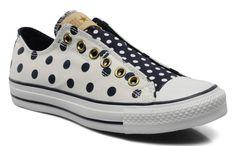 Chuck Taylor All Star Polka Dot sneakers >> Shoeperwoman