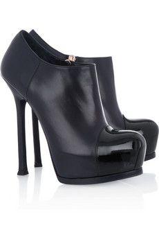 Yves Saint LaurentTribtooankle boots