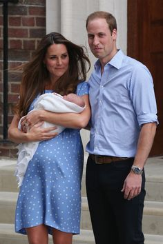 Kate Middleton Leaves Hospital With Royal Baby & Prince William