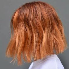 Don't know what to do with your hair for that holiday party? We rounded up 10 gorgeous and easy hairstyles that are perfect for the holiday season, ahead. Ginger Hair Dyed, Ginger Hair Color, Best Hair Color, Ginger Ombre, Orange Ombre Hair, Short Red Hair, Short Hair Styles, Short Hair Colour, Red Long Bob