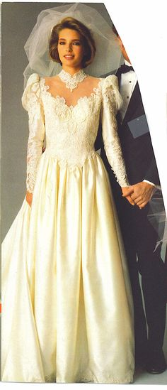 80-90 very pretty 1980s Wedding Dress, Wedding Dress With Veil, Wedding Gowns, Vintage Gowns, Vintage Bridal, Bridal Style, Bridal Dresses, Beautiful Dresses, 1970s