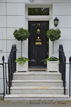 I would never miss coming in the front door if this was my house. Amanda Carol at Home: Doors of London