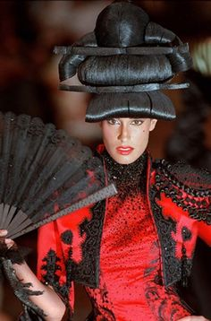Givenchy by Alexander McQueen F/W 1997 Haute couture