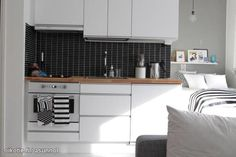 Black & White kitchen / Musta-valkoinen keittiö