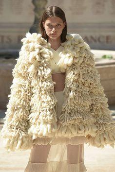 Sonia Rykiel, Automne/Hiver 2018, Paris, Haute Couture Sonia Rykiel, Knits, Beautiful Things, Knit Crochet, Knitwear, Weave, Fur Coat, Designers, Queen