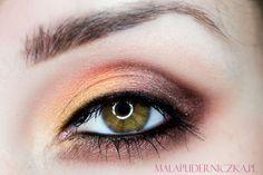 'Gryffindor' look by Malapuderniczka using Makeup Geek's Burlesque, Casino and Cosmopolitan eyeshadows.