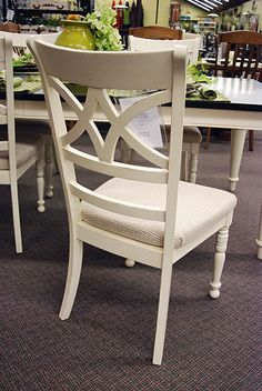This Diamond Back Dining Side Chair can be a beautiful solo piece or set.With a classic Woven Mocha Seat Cushion it will forever be a contemporary style in your home. Sail Cloth- Heirloom Finish.
