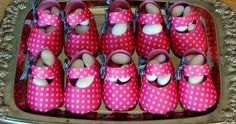 DIY Candy Baby Shoes Box Paper Shoes, Baby Shawer, Balloon Centerpieces, Fabric Toys, Foam Crafts, Shoe Box, Baby Items, Baby Shower Gifts, Doll Clothes