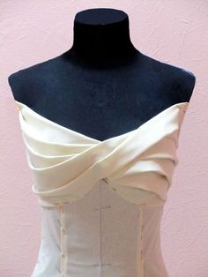 Beautiful and well draped bodice.how to drape lily dart bodicesuch a pretty bodiceBeautiful neckline and design elementAll Things Sewing and Pattern Making This is awesome, I wan Draping Techniques, Sewing Techniques, Dress Sewing Patterns, Clothing Patterns, Fashion Sewing, Diy Fashion, Sewing Clothes, Diy Clothes, Pattern Draping