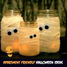 APARTMENT-FRIENDLY HOME DECOR IDEAS FOR HALLOWEEN All Halloween needs is the will to be evil, freaky, dramatic and fun. Space, budget or time doesn't come in the way of All Hallows' Eve. We have put together the easiest ways of bringing Halloween to your apartment or basement, big or small. Pick some of these and you'll sure deliver the spooks to anyone visiting you this Halloween.