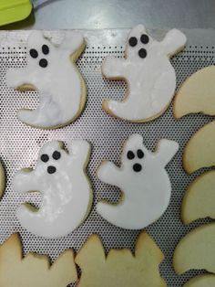 Yyy en Halloween, los fantasmas que no falten=)