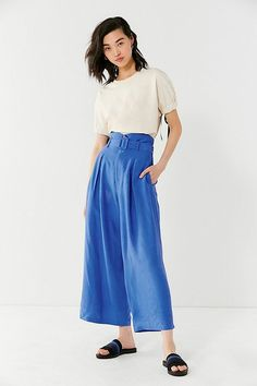 Slide View: 1: UO Isabella Belted Culotte Pant