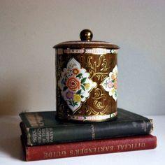 Lovely Vintage Daher Tin