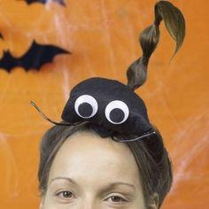 Cómo hacer un peinado de escorpión para Halloween.