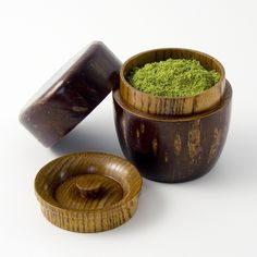 Japanese tea box or caddy for holding the powdered tea used in tea ceremony, wood, Japan Tea Canisters, Tea Tins, Green Tea Ice Cream, Matcha Smoothie, Green Tea Recipes, Green Cake, Turmeric Recipes, Japanese Tea Ceremony, Tea Box