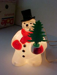 Old ROYAL SNOWMAN w TREE Electric Christmas Light