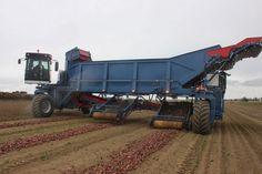 ASA Lift og brdr. Kjeldahls Wide span traktor til høst af løg og meget mere ‹ CTF Europe