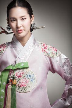 한복 Hanbok by jahong Korean Traditional Dress, Traditional Fashion, Traditional Dresses, Korea Fashion, Asian Fashion, Ethnic Fashion, Korean Dress, Korean Outfits, Modern Hanbok