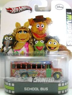 "Hot Wheels 2013 Disney The Muppets School Bus "" Electric Mayhem"" Custom Hot Wheels, Hot Wheels Cars, Retro Toys, Vintage Toys, Voitures Hot Wheels, Disney Cars Toys, Toys Land, Fraggle Rock, The Muppet Show"