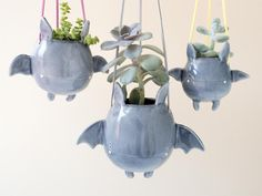 The handmade flying bat hanging plant holder gives you a cute way to hold your favorite succulents, and it will never take up any surface in your room. Hanging Bat, Hanging Vases, Hanging Plants, Mini Vasos, Keramik Design, Cute Bat, Home And Deco, Plant Holders, Clay Crafts