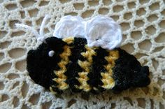 crochet d lane: Free Bumble Bee Appliqué Pattern