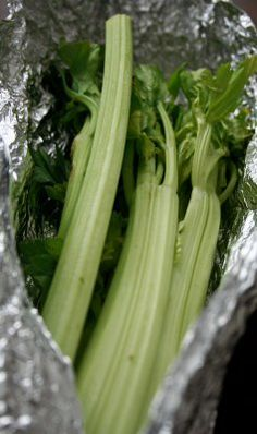 Previous pinner wrote: I don't need celery often, but many of my recipes use it. A hint from my son John, a chef at an upscale Italian restaurant. Keep Celery fresh for up to 6 weeks! Take store wrapping off, rinse and shake dry of most water. Completely wrap in aluminum foil, keep in fridge crisper  and whenever you need fresh crisp celery its there!