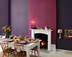 Find the best colour paint for your living room, bathroom, bedroom and more with Dulux paint. Find the right colour for you with our Dulux paint ideas. Cosy Dining Room, Pink Dining Rooms, Purple Interior, Interior And Exterior, Interior Paint, Kitchen Interior, Dulux Feature Wall, Feature Walls, Murs Violets