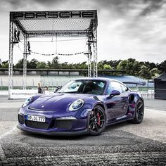 The Porsche 911 is a truly a race car you can drive on the street. It's distinctive Porsche styling is backed up by incredible race car performance. Porsche 911 Gt3, Porche 911, Porsche Cars, Lamborghini, Bugatti, Ferrari, Super Sport, Automobile, Cadillac