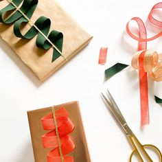 The House that Lars Built (@houselarsbuilt) • Instagram photos and videos Creative Gift Wrapping, Creative Gifts, Wrapping Ideas, Crafts To Make, Christmas Holidays, Wraps, Presents, Paper Crafts, Diy Projects