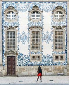 """Colours of Saint Ildefonso church ~ Porto, Portugal Photo: @liolaliola Beautiful 😍  TAG someone you…"""""""