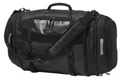 Jet Black Link Duffel By Oakley is designed to be as lightweight as possible while still providing you spacious, specialized storage. The top of the bag fillets all the way open allowing an easier storage solution, along with a separate storage for shoes. Plus, this premium Oakley duffel integrates reflective webbing throughout increasing visibility.  #blackbag #Army #USArmy #USAF #Navy #Marines #CoastGuard #Marinecorps #Airforce Black Bags, Coast Guard, Shoe Storage, Marine Corps, Us Army, Storage Solutions, Marines, Oakley, Separate