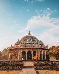 Isa Khan's Tomb, Delhi, India Amazing Places In India, Amazing India, Beautiful Places To Visit, Dream Vacations, Vacation Spots, Ancient Buildings, Beautiful Beautiful, Beautiful Couple, Beautiful Architecture