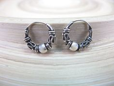 Balinese Hoop Earrings in 925 Sterling Silver Sterling Silver Hoops, Silver Hoop Earrings, Silver Jewelry, Silver Rings, Guys Ear Piercings, Jewelry Patterns, Jewelery, Best Gifts, Jewelry Accessories