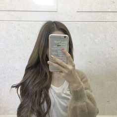 Korean Accessories and Hairstyles 2017 - Official Korean Fashion Korean Photography, Profile Photography, Ulzzang Korean Girl, Cute Korean Girl, Permed Hairstyles, Pretty Hairstyles, Korean Accessories, Korean Beauty Girls, Girls Mirror