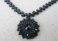 Ridgways / Black rounds...náhrdelník