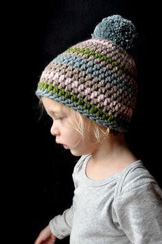 crochet bonnet with pompom