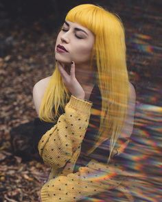 I would never get yellow hair but this may have slightly changed my mind Yellow Hair, Pink Hair, Hairstyles With Bangs, Cool Hairstyles, Bangs Hairstyle, Flame Hair, Bright Hair, Dye My Hair, Light Brown Hair