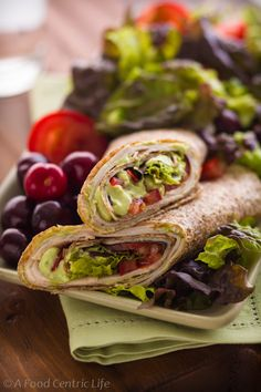 A nice change from sandwiches, Turkey Tortilla Wraps are easy to fill and roll with tomatoes, deli turkey, salad greens and a creamy avocado dressing Healthy Wraps, Healthy Snacks, Healthy Eating, Healthy Recipes, Yummy Recipes, Healthy Tortilla Wraps, Recipies, Clean Eating, High Fibre Lunches
