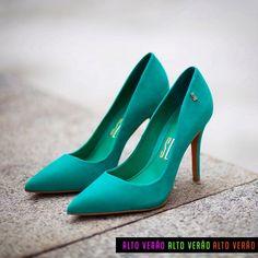 O Scarpin Santa Lolla é a injeção de cor necessária em um look Chic & Cool…