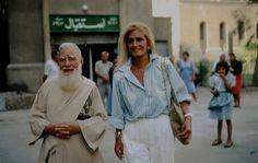 """Dalida en Egypte en 1986 lors de sa tournée promotionnelle pour le film le """"sixième jour"""" de Youssef Chahine."""