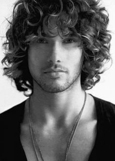 Can you recall the Jim Morrison style? Yes its still on demand as we can never forget that iconic guy. Long Curly Haircuts, Haircuts For Men, Straight Hairstyles, Hairstyles Men, Funky Hairstyles, Formal Hairstyles, Medium Haircuts, Layered Hairstyles, Modern Haircuts