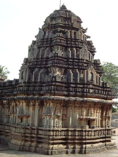The Best information about Hindu Pilgrimage Places in India. Explore Religious Hindu Pilgrimage Tourism in India & Find Pooja Items on pilgrimaide. Temple Architecture, Indian Architecture, Indian Temple, Hindu Temple, Temple Ruins, Hampi, Incredible India, Amazing, Ancient Ruins