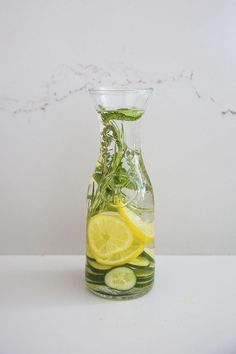 How to make spa water at home! Yummy infused water recipes by Louise Roe #FrontRoe