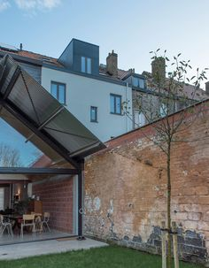 http://divisare.com/projects/310714-gafpa-house-extension-in-gent-belgium?utm_campaign=journal