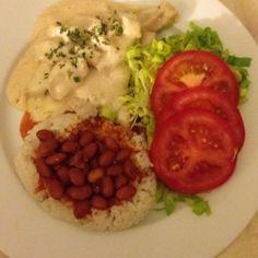 Rice, beans, chicken bertolli & salad