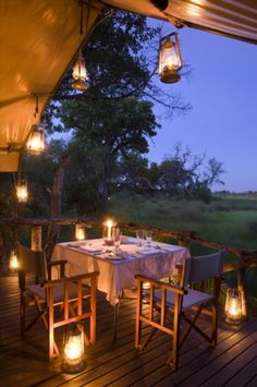 Photographic safari, team building photo safari and wildlife photography course accommodation Nxabega, Okavango Delta, Botswana.