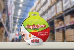 O novo padrão de embalagens da Adere, empresa de fitas adesivas que atua no território nacional, foi pensada para ser vendável. Criamos um padrão de tipografia, assinatura de embalagem e cores que, além de chamar a atenção do cliente, fazem a diferença na hora da venda.
