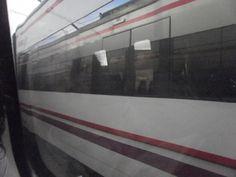 En movimiento// Un tren