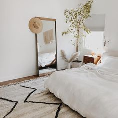6 Determined Hacks: Simple Home Decor Ideas home decor industrial farmhouse.Gothic Home Decor Bedroom french country home decor.Home Decor Wall Living Room. Room, Interior, Bedroom Interior, Cheap Home Decor, Home Decor, Room Inspiration, Apartment Decor, Interior Design, Interior Design Bedroom