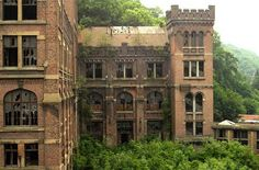 abandoned buildings | Old, abandoned buildings: Cool or creepy? | Simone Ludlows House of ...